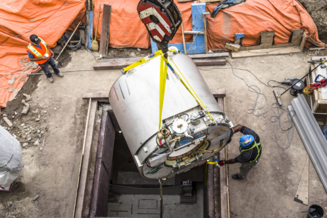 MR-Linac installation - Lifting the machine into Sunnybrook