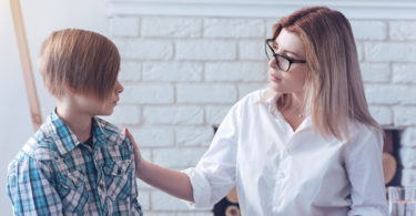 how parens can talk to children about traumatic events