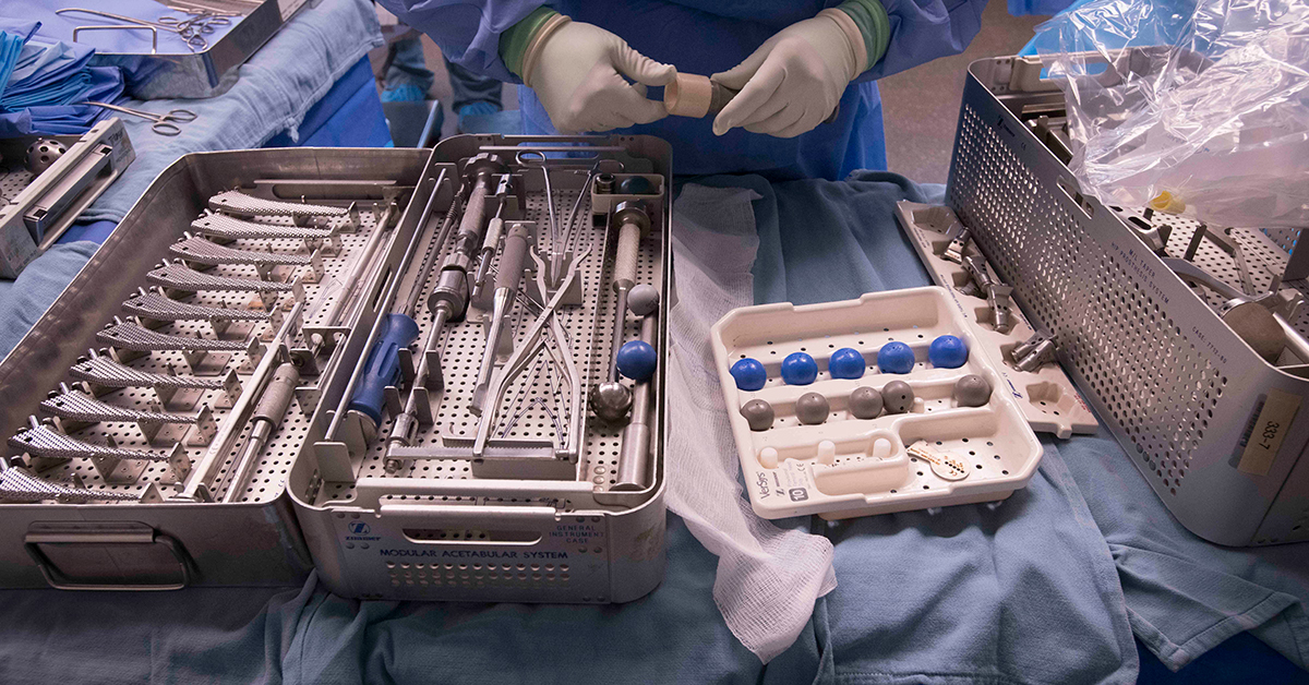 Instrument pan in the OR
